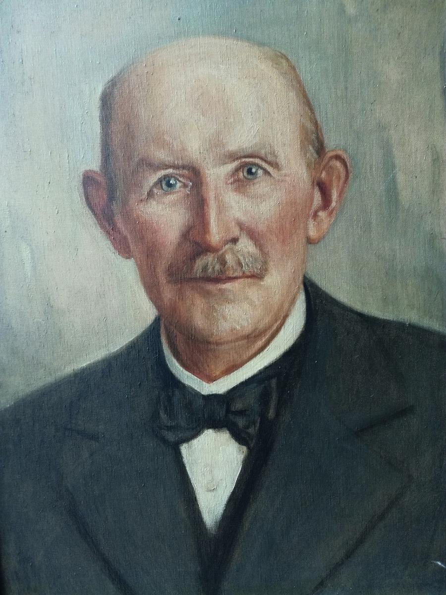 Heinrich Schmitz (1856-1943), a cégalapító, aki falusi kovácsműhelyből járműgyárrá fejlesztette vállalkozását