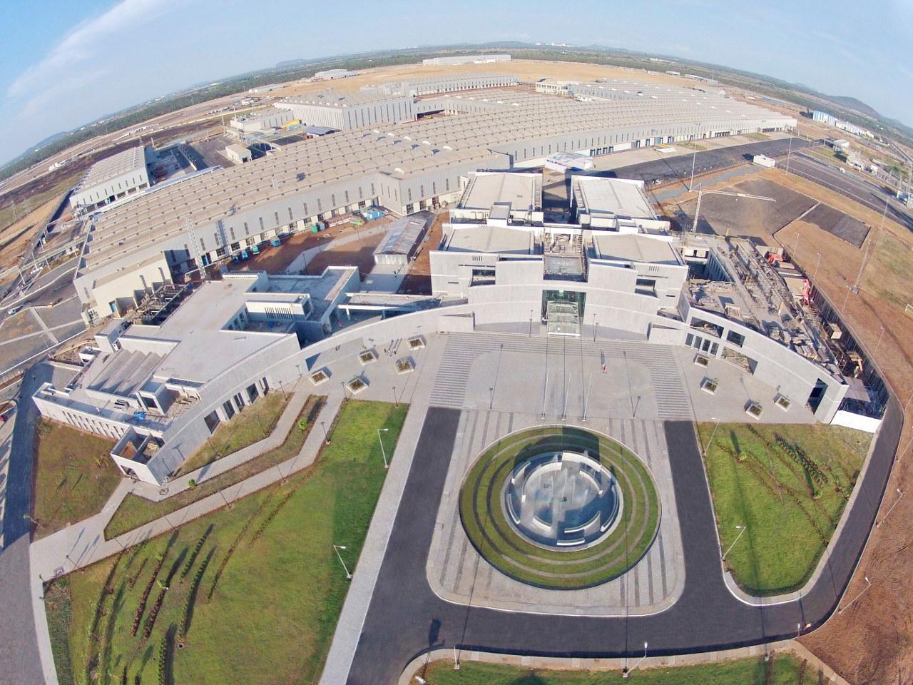 A 160 hektáros területen a gyár mellett helyet kapott a kutatás-fejlesztési központ és a tesztpálya is