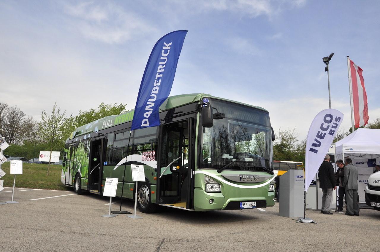 Az IVECO Urbanway alacsonypadlós városi busz Full Hybrid, azaz soros hibrid hajtásláncú változatban szerepelt a BUSEXPO-n