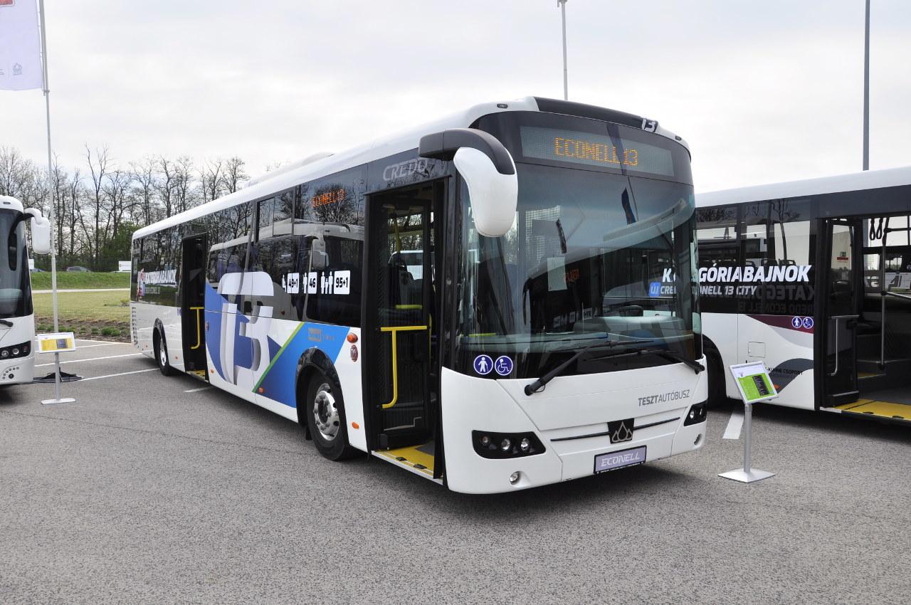 Az elővárosi kivitelű Credo Econell 13 modell 49 1 ülő- és 46 állóhelyet kínál