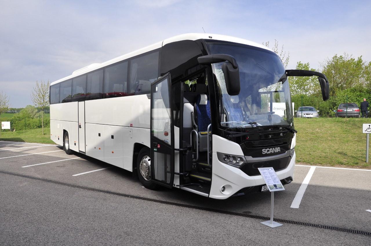 A Scania OmniExpress utódja, az Interlink sokkal jobban illeszkedik a márka formai arculatába
