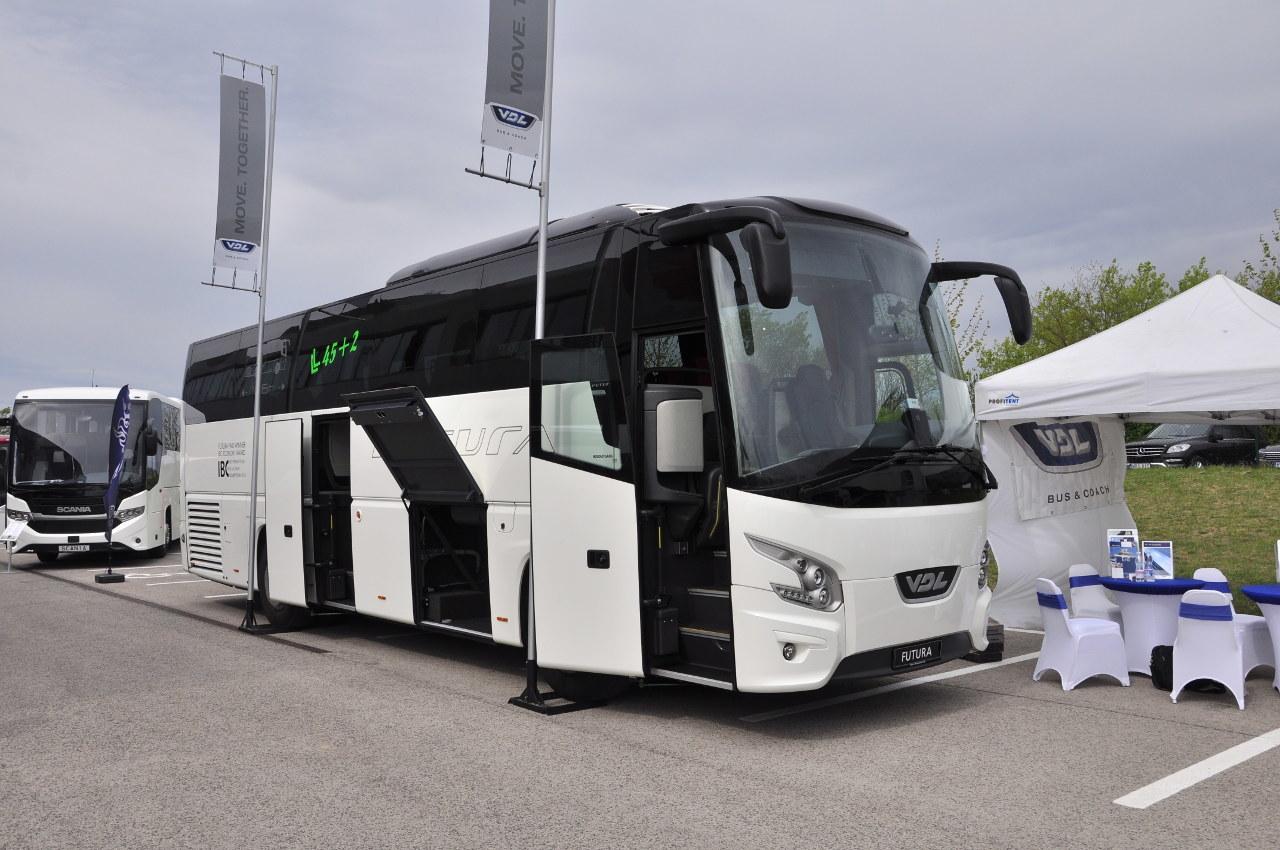 A VDL Futura legkisebb változatát, a 10,6 méteres FHD2-106 VIP klubbuszt a tavalyi hannoveri IAA-n mutatták be először