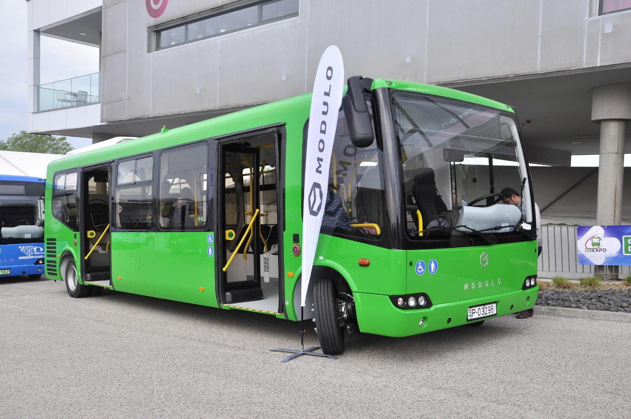 Ilyen tisztán elektromos hajtású Modulo midibuszok közlekednek Budapest utcáin, mégpedig húsz példány
