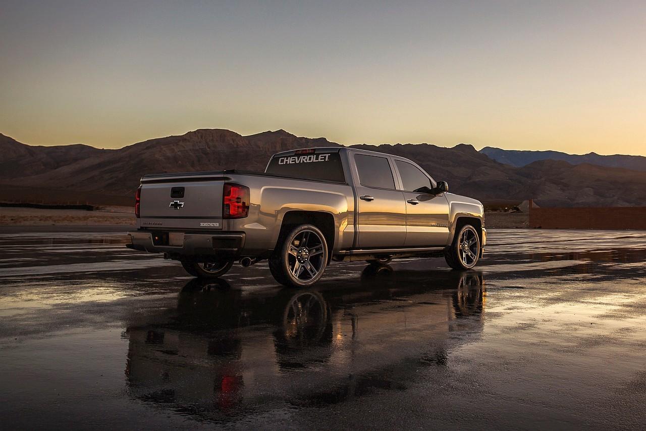 22 colosak a Chevrolet Silverado Performance Concept keréktárcsái