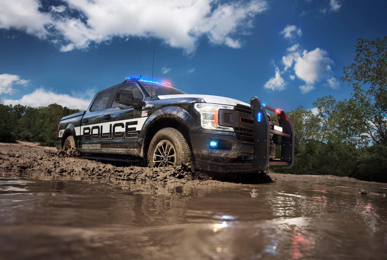 Összkerékhajtásának és terepabroncsainak köszönhetően a Ford F-150 Police Responder előtt nincs leküzdhetetlen akadály