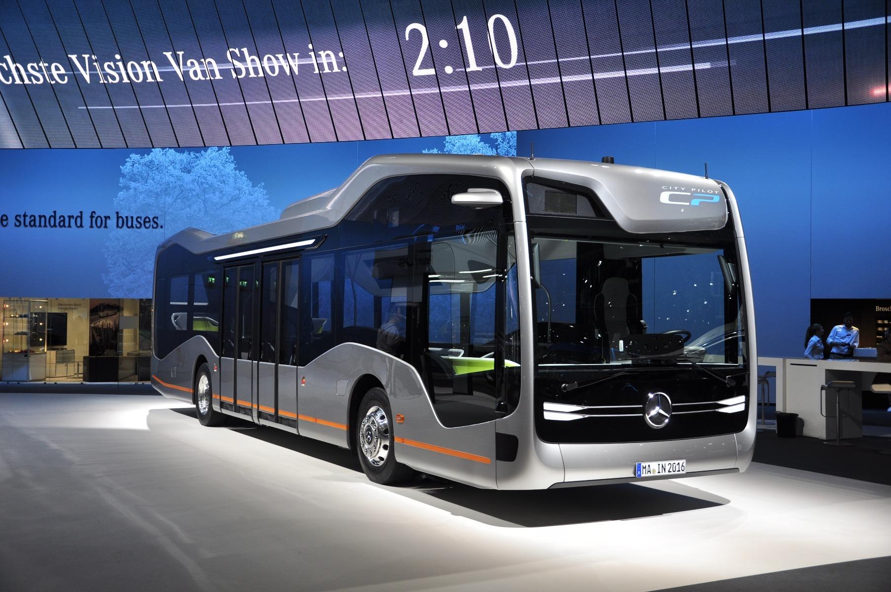 A Mercedes-Benz Future Bus városi tanulmánybusz már a közúti tesztelés fázisánál tart