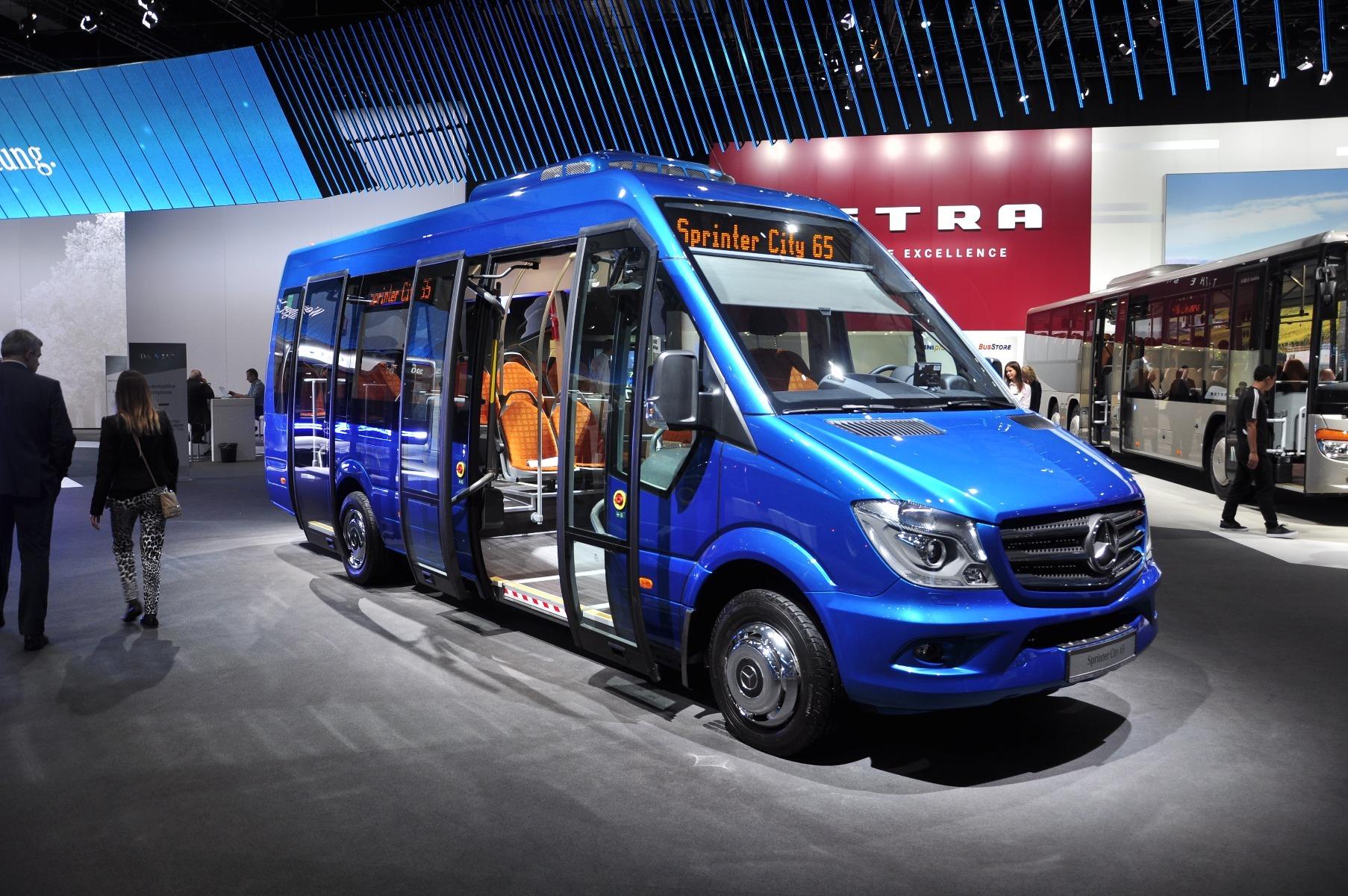 A Mercedes-Benz Sprinter City 65 modellben kerekesszékes helyet alakítottak ki, az új retardere pedig 15 százalékkal kisebb tömegű