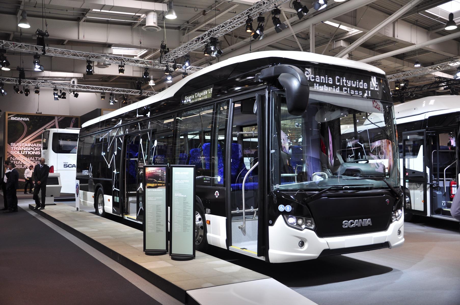 A Scania Citywide LE alacsonybelépésű, 12 méteres, dízel-elektromos hajtású modellje párhuzamos elvű hibrid hajtáslánccal működik