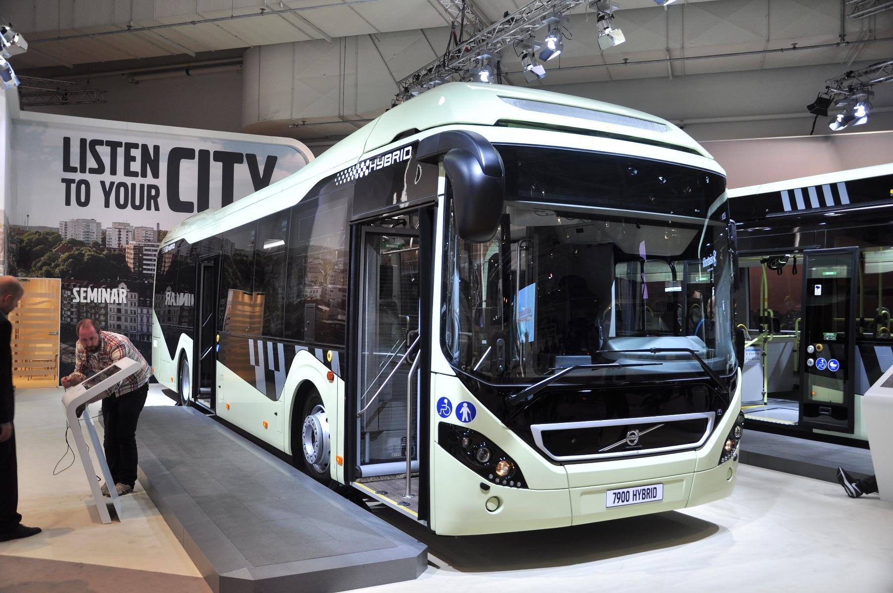 A Volvo 7900 Hybrid akár 39 százalékkal kevesebb tüzelőanyagot fogyaszt, mint egy hagyományos dízelüzemű busz