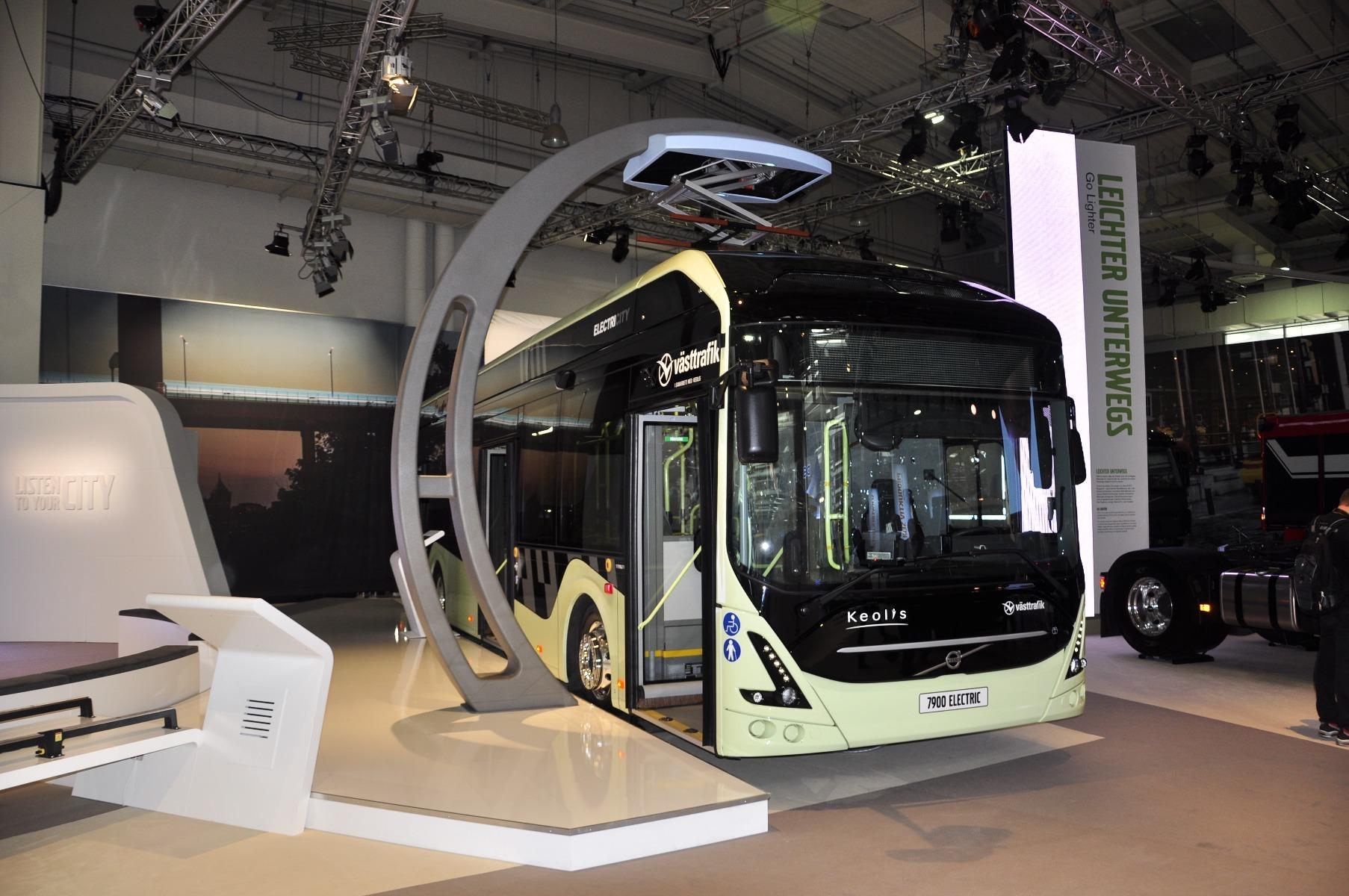 A Volvo 7900 Electric tíz kilométert mehet egy feltöltéssel, a dízelekhez képest 80 százalékkal kisebb energiafelhasználással