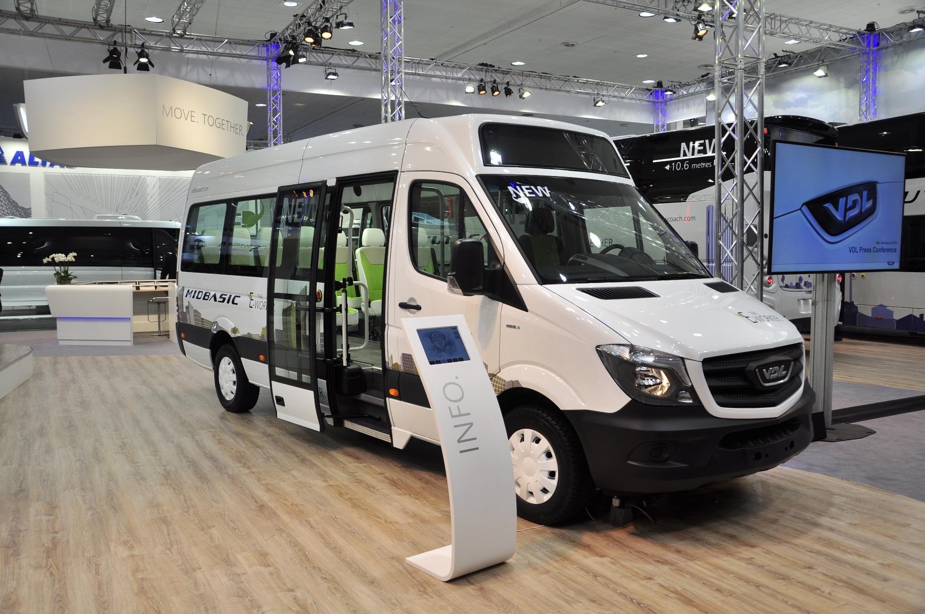 A 8 1 üléses VDL MidBasic Electric elektromos midibusz hatótávolsága az akkumulátorcsomagtól függően 200-300 kilométer