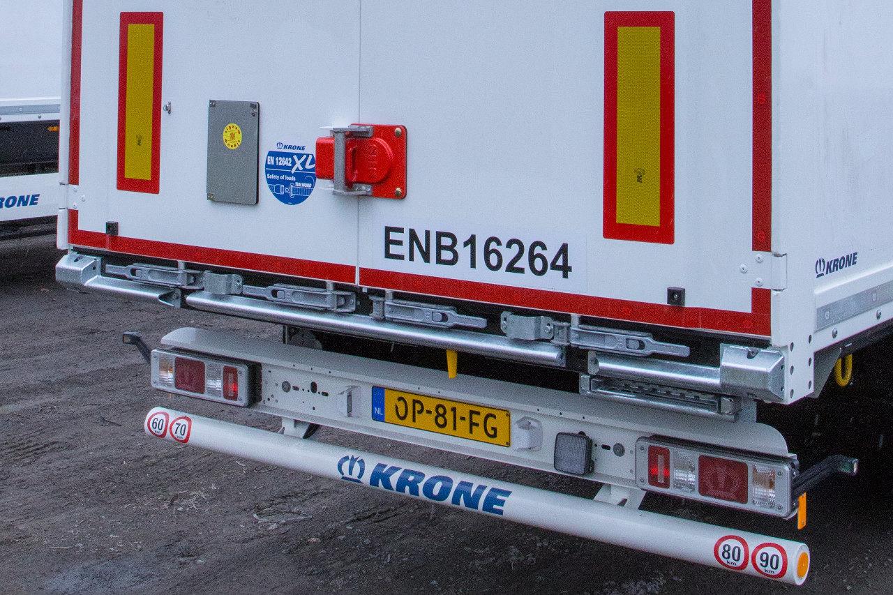 A Krone Dry Liner dobozos félpótkocsik hátfalajtói új rablásgátló berendezést kaptak