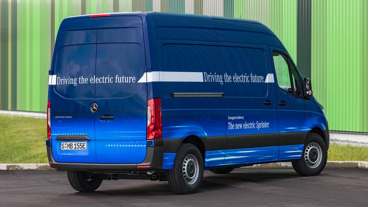 Jövőre érkezik az eSprinter: a moduláris akkumulátorrendszer jóvoltából rugalmasan specifikálható jármű az eVito típus 84 kilowatt teljesítményű villanymotorját kapja majd
