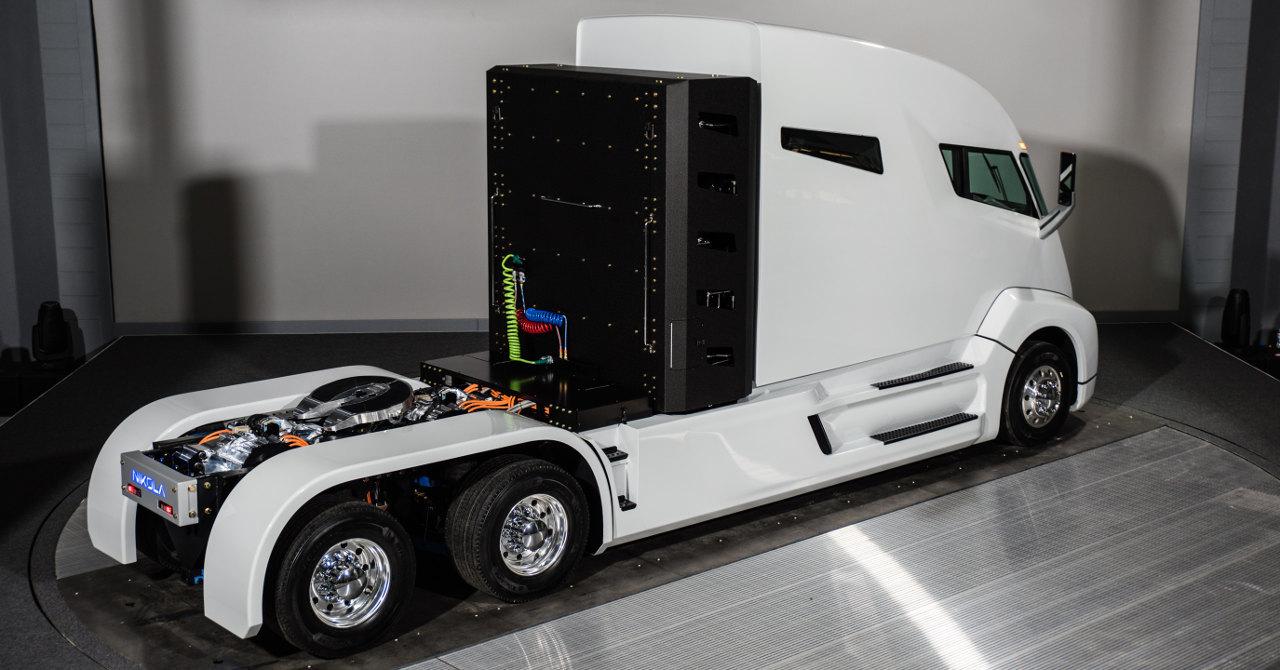 Az Egyesült Államokban érvényes méretkorlátozások mellett a hajtásrendszer minden eleme jól helyezhető, de vajon egy európai méretű vontató esetében hogyan lehetne átültetni ezt a technikát?