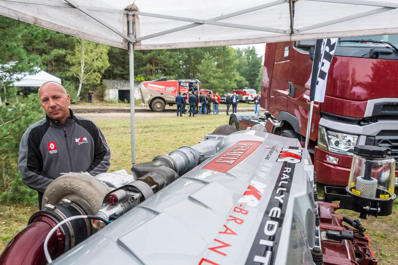 Mario Kress és csapata komoly tervekkel vág neki a 2018-as Dakar-ralira való felkészülésnek, a dobogón szeretnének végezni