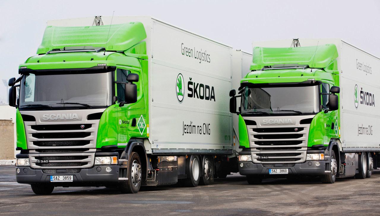 Sűrített földgázzal üzemelő Scania tehergépkocsik végzik a szállítási feladatokat a csehországi Škoda-gyárban