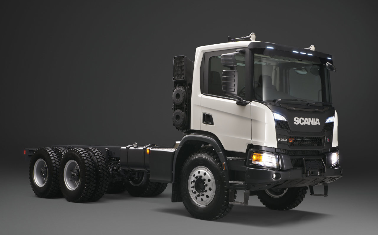 Az XT immár megerősített bányabillencsként is rendelkezésre áll, a 8x4-es modellek esetében akár 66 tonna legnagyobb megengedett össztömeggel