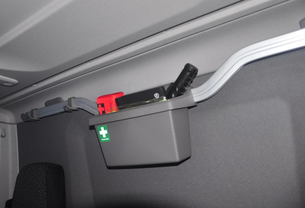 Az XT modellekéhez hasonló hátfali tárolórendszer kérhető a P-fülkékbe is