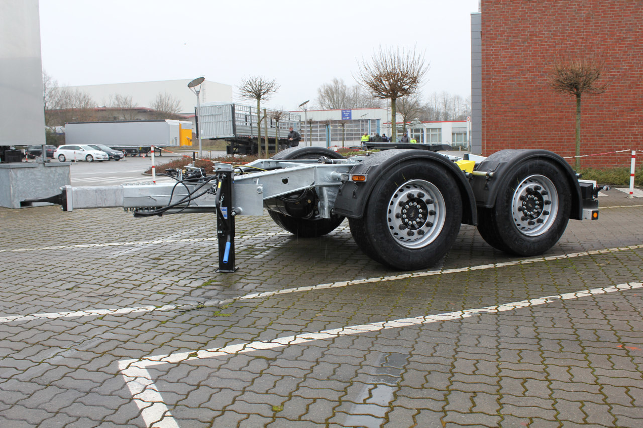 Immár kéttengelyes dollyt is kínál a Schmitz Cargobull a 25,25 méteres EuroCombi szerelvényekhez