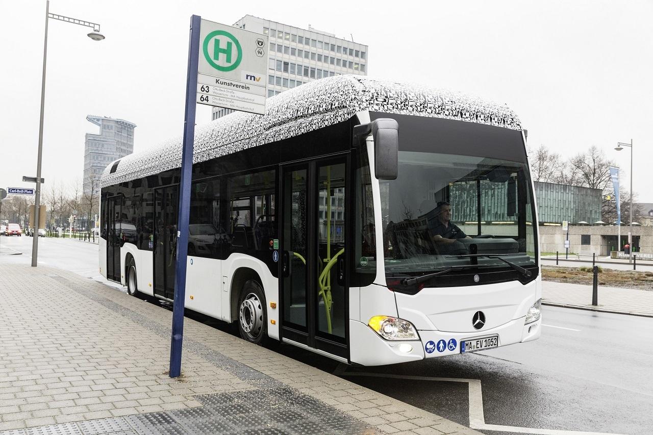 Íme a Mercedes-Benz teljesen elektromos hajtású városi busza, a Citaro