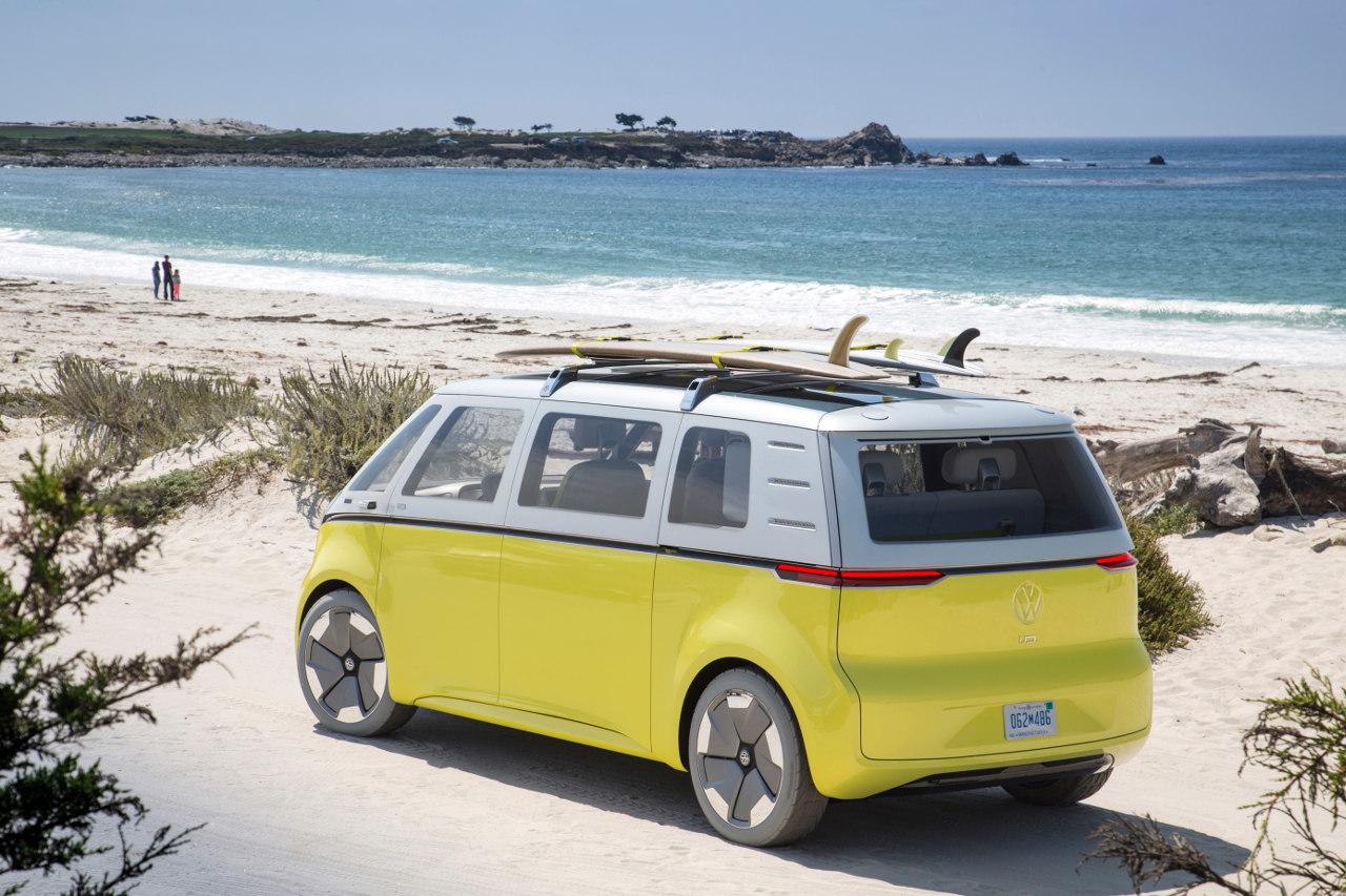 A minibusz klasszikus felhasználási területe Amerikában: tengerpart és szörfösök