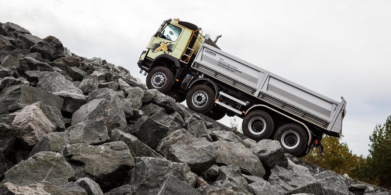 Az új kúszófokozatoknak köszönhetően nagy terheléssel, meredek emelkedőn, rossz terepviszonyok esetén is a tengelykapcsoló kímélésével indulhatnak el, illetve haladhatnak lassan az I-Shift váltóval szerelt Volvo tehergépkocsik